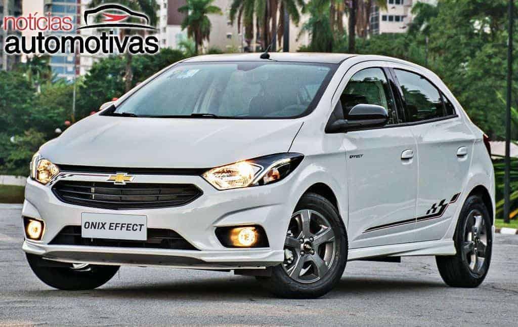 Chevrolet-Onix-Effect-2018-2 Chevrolet Onix, Prisma, Cobalt e Spin ficam mais caros em até R$ 1 mil