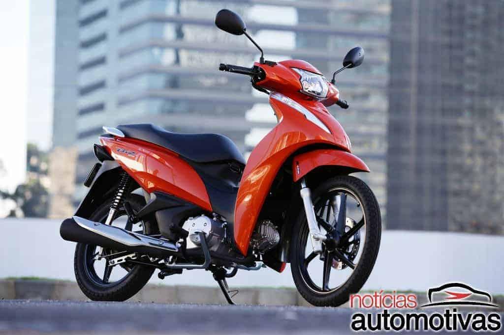 Honda-Biz-125-2018-14 Em sua quarta geração, Honda Biz 2018 traz freios CBS por R$ 7.590
