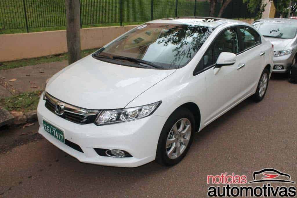 Honda Civic 2.0 2014 15 620x412 Honda Civic 2014 1.8 e 2.0 FlexOne