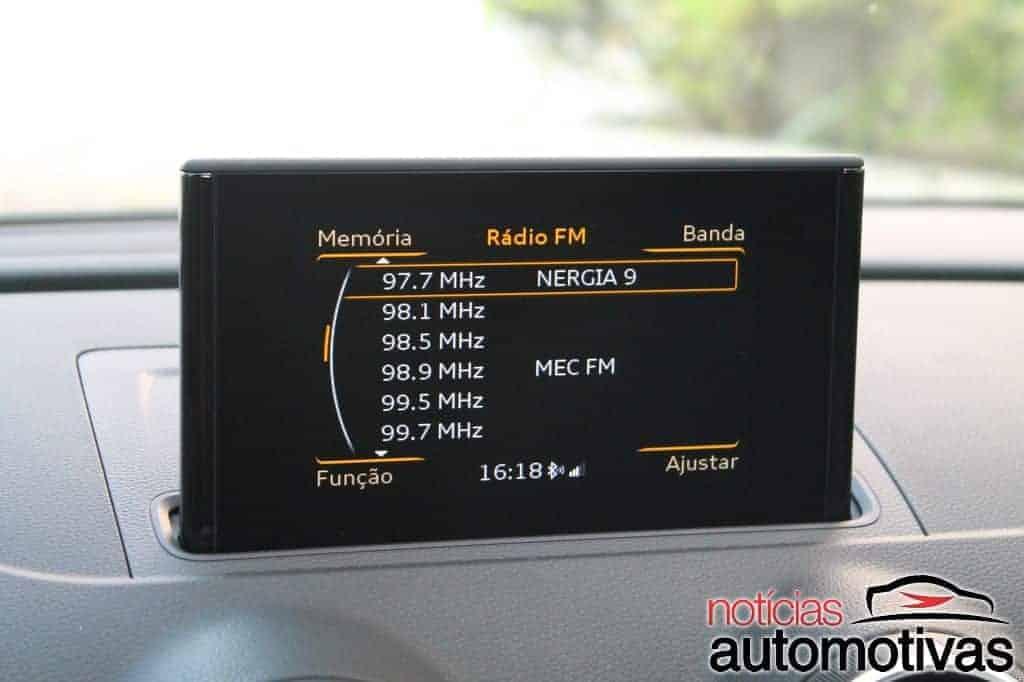 audi-a3-sedan-14-tfsi-avaliacao-NA-46 Audi A3 Sedan 1.4 TFSI Attraction: vantagens e desvantagens de um autêntico mas simplificado alemão