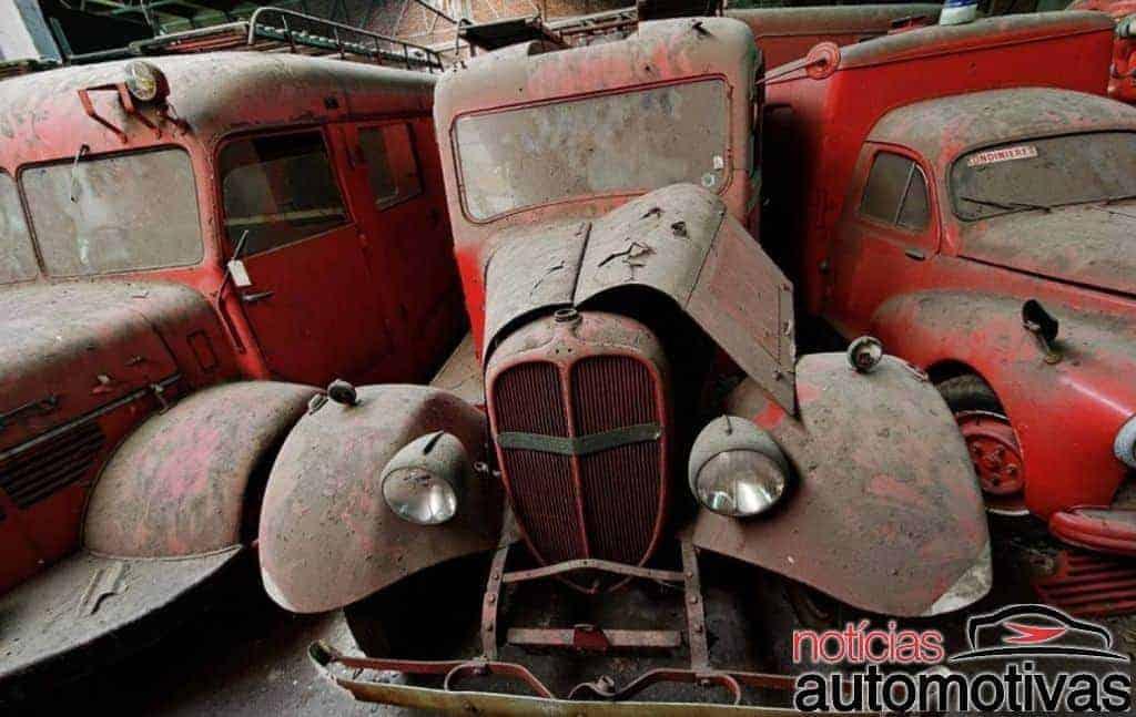 bombeiros-antigos-frança-11 Galpão com carros de bombeiros históricos abandonados na França