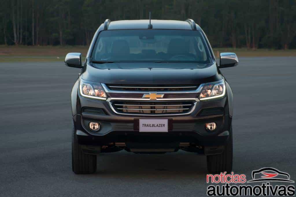 chevrolet-trailblazer-2017-externas-NA-5 Nova Chevrolet Trailblazer 2017 chega com preços a partir de R$ 159.990