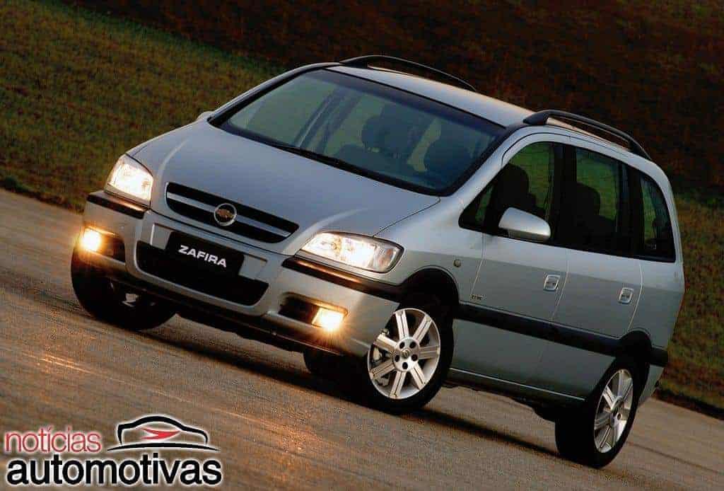 Família grande: carros com sete lugares até R$ 100 mil?