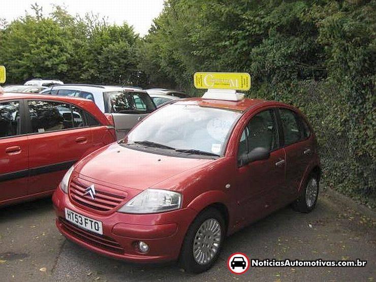citroen-c3-exclusive-2003-uk Veja os preços de carros usados no Reino Unido