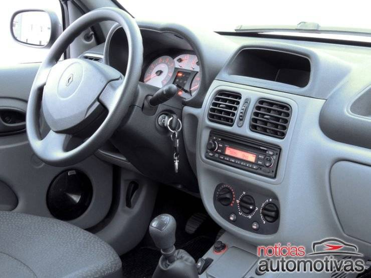 carro da semana opini o de dono renault clio 1 0 16v 2010 2011 not cias automotivas. Black Bedroom Furniture Sets. Home Design Ideas