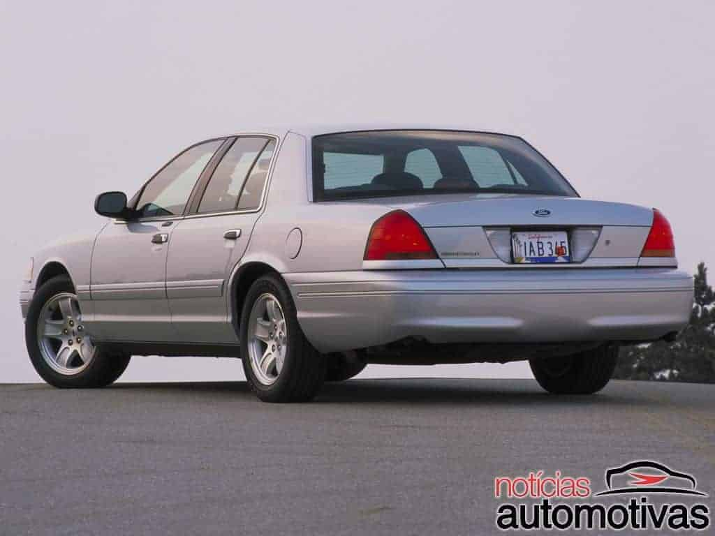 ford-crown-victoria-11