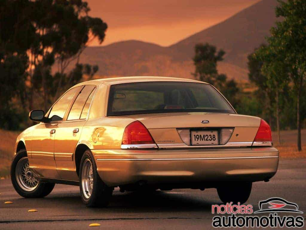 ford-crown-victoria (14)
