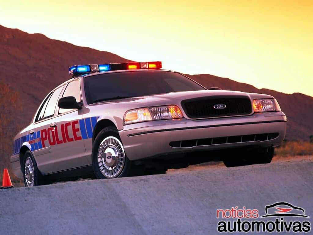 ford-crown-victoria-25