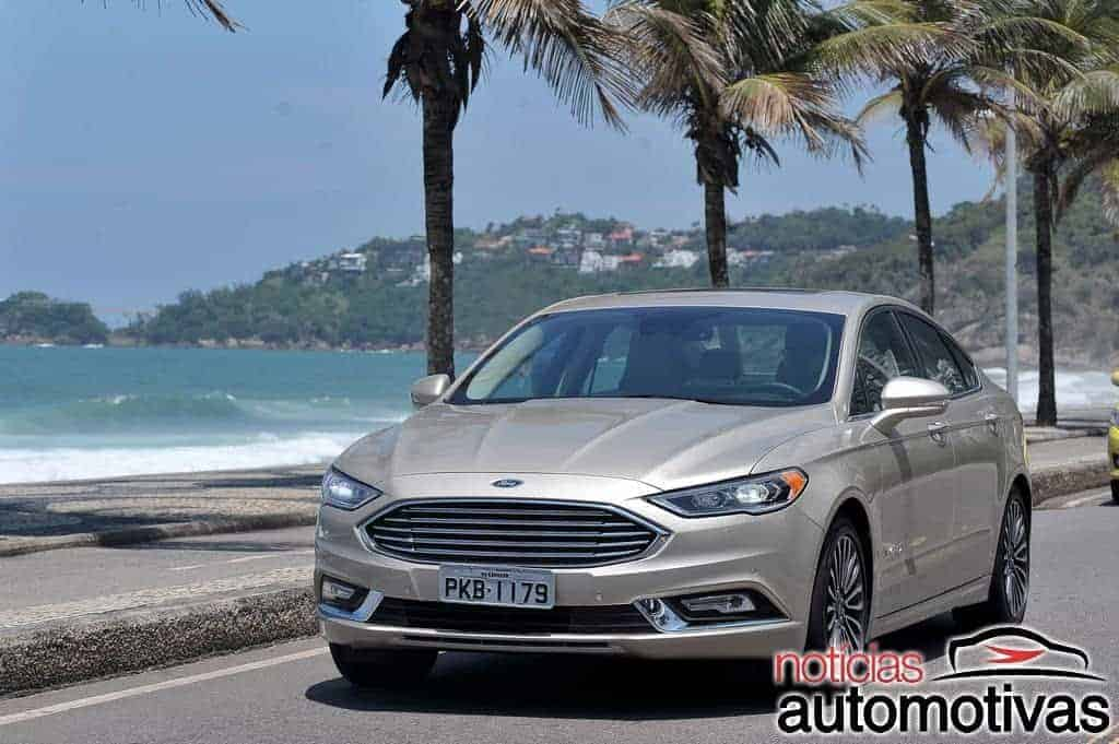 ford-fusion-hybrid-2017-NA-18