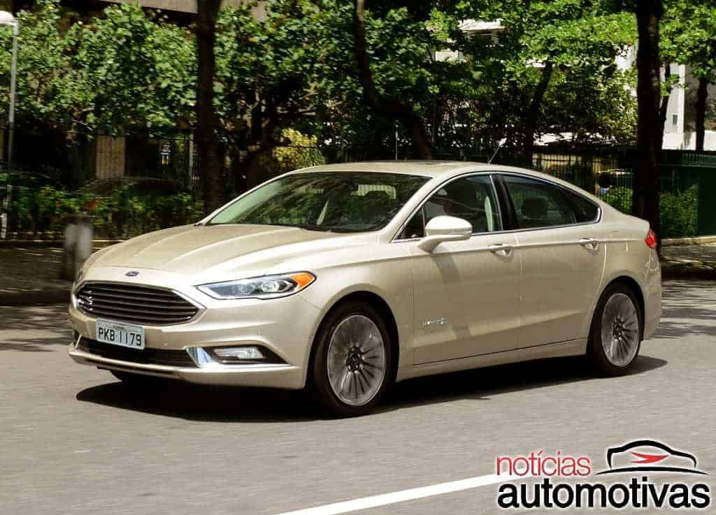 ford-fusion-hybrid-2017-NA-9