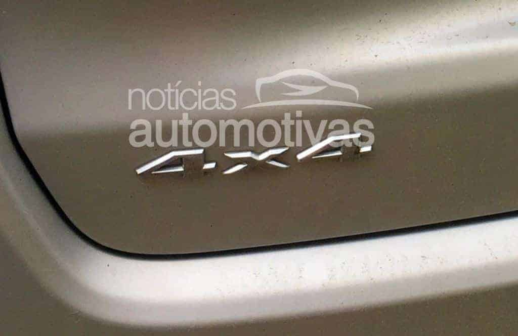jeep-compass-20-4x4-flagra-1 Jeep Compass 2.0 Flex é flagrado com tração 4x4