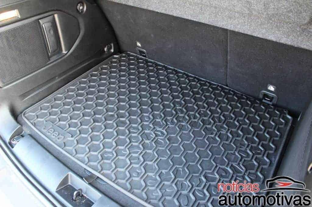 jeep-renegade-sport-flex-avaliação-NA-75 Jeep Renegade Sport 1.8 Flex sofre com baixa potência e consumo alto