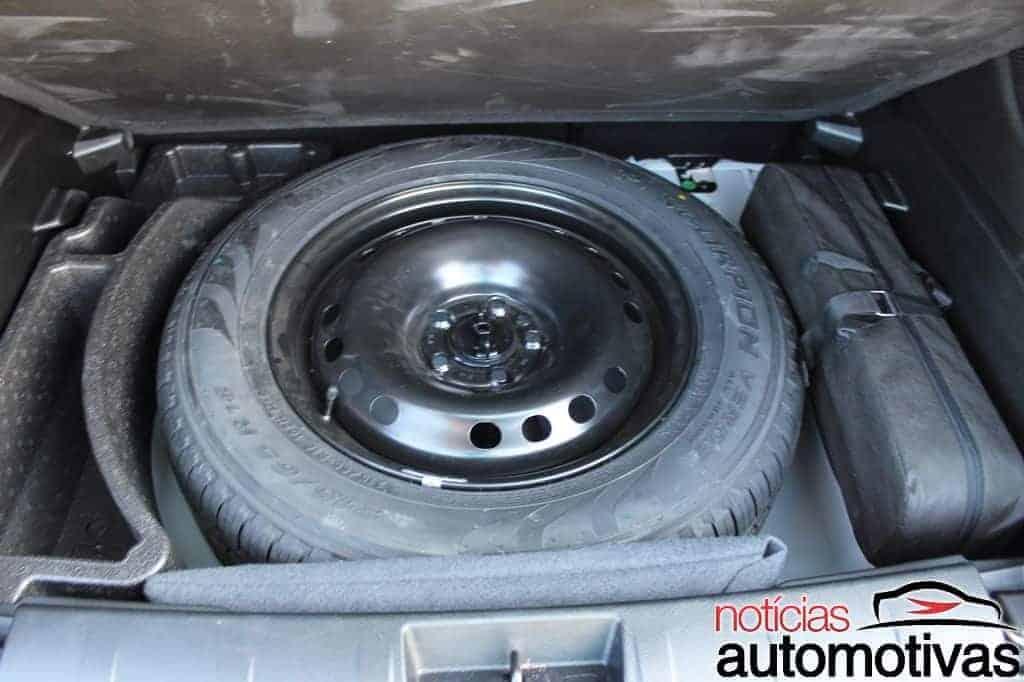 jeep-renegade-sport-flex-avaliação-NA-76 Jeep Renegade Sport 1.8 Flex sofre com baixa potência e consumo alto
