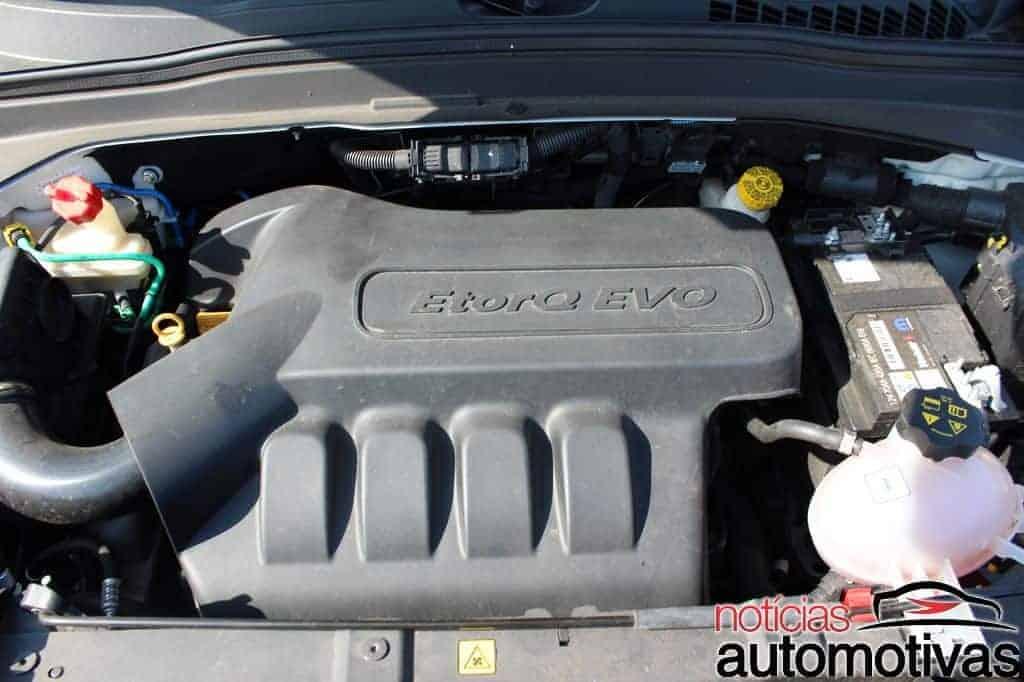 jeep-renegade-sport-flex-avaliação-NA-99 Jeep Renegade Sport 1.8 Flex sofre com baixa potência e consumo alto