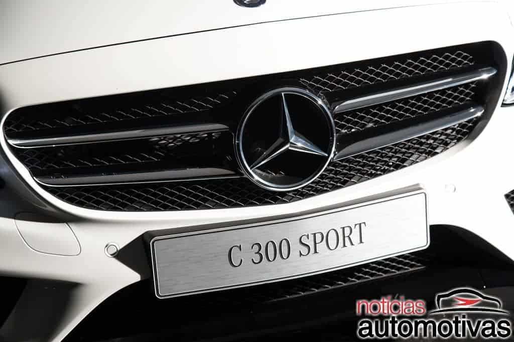 mercedes-benz-c-300-sport-2018-7 Mercedes Classe C 300 Sport estreia como versão topo de linha por R$ 241,9 mil