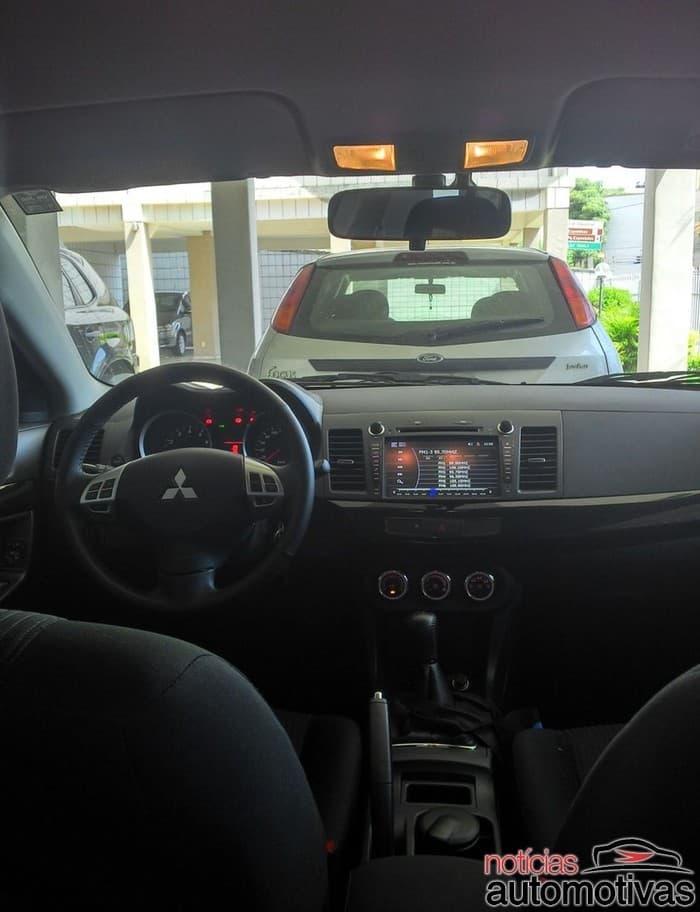 mitsubishi-lancer-2013-preto-7-700x912 Carro da semana, opinião de dono: Mitsubishi Lancer 2013