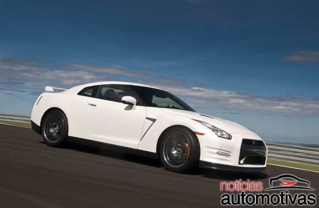 nissan-gt-r-2015-NA-14