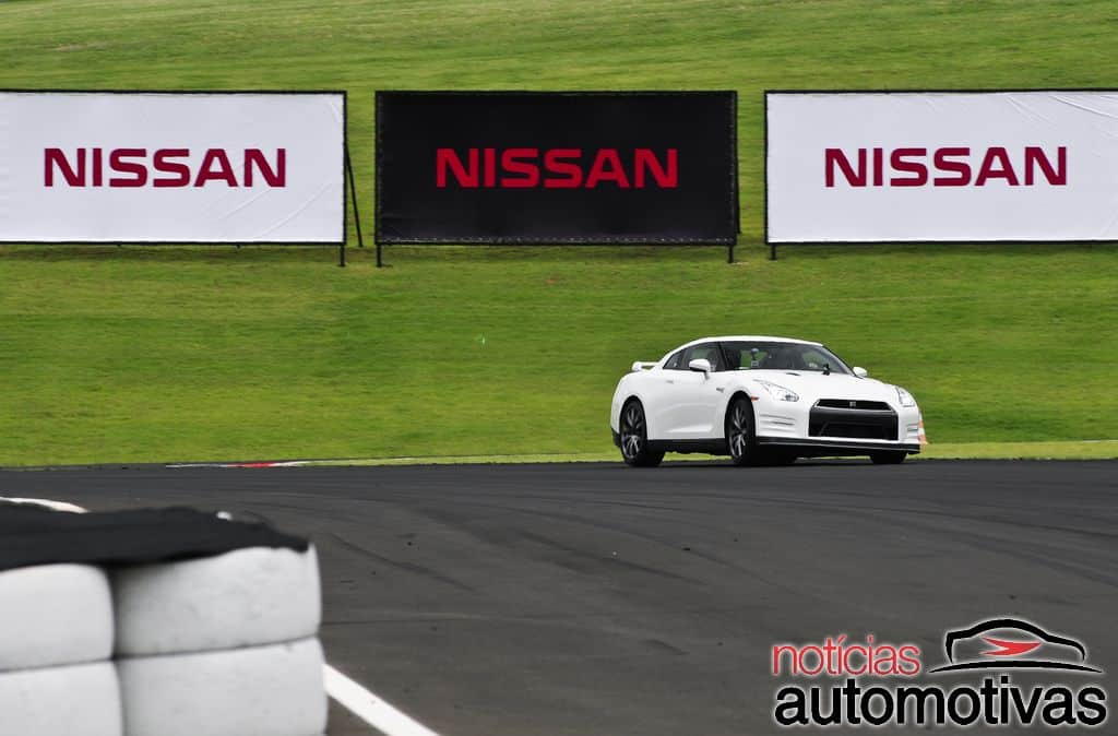 nissan-gt-r-2015-NA-39
