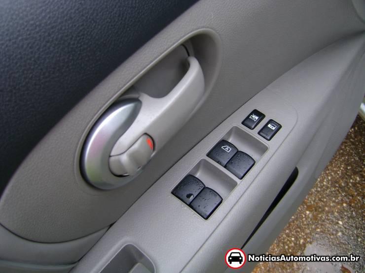 nissan-livina-avaliacao-interior-5 Avaliação NA – Nissan Livina 2 – Impressões do interior e qualidade de acabamento