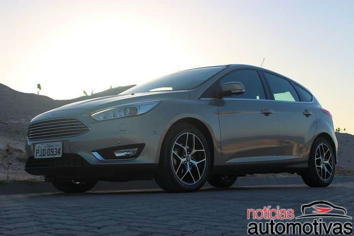 novo-focus-hatch-2016-impressões-NA-121-700x467 Ford Focus 1.6 Powershift volta para a tabela do Inmetro