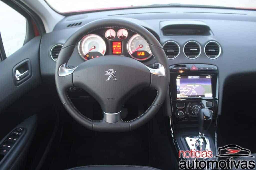 peugeot-308-thp-avaliação-NA-17 Avaliação: Peugeot 308 THP tem boa performance, mas peso da idade incomoda
