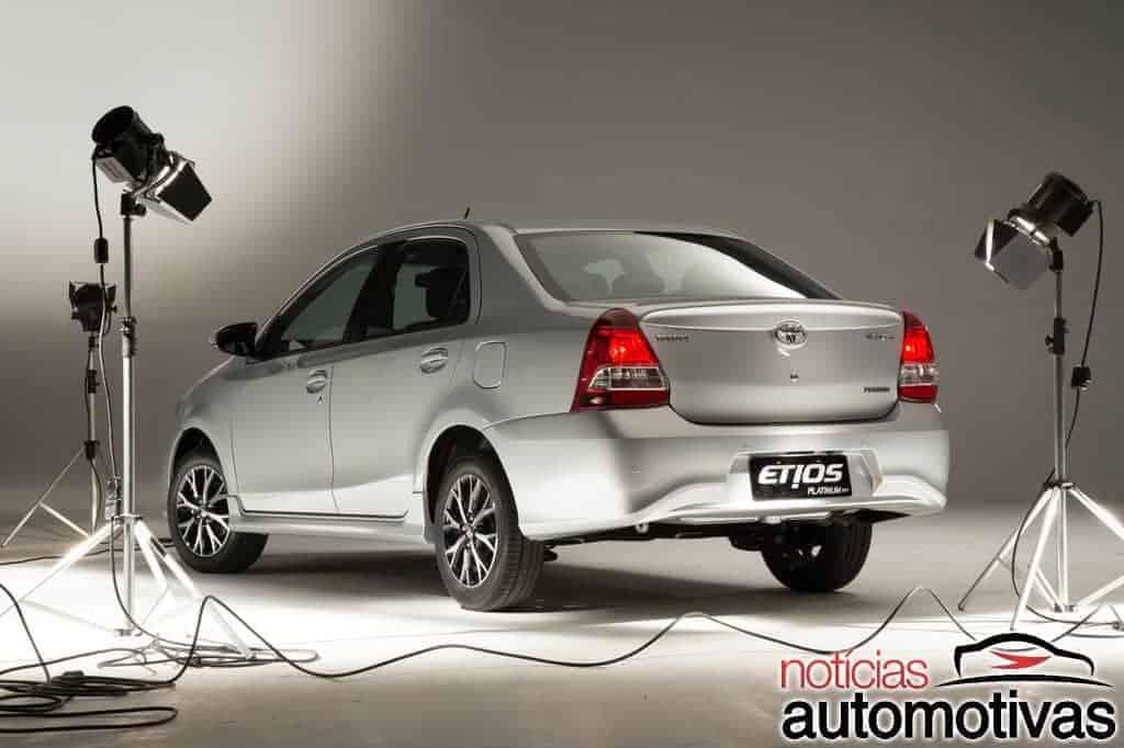 toyota-etios-platinum-2017-25 Toyota relança Etios Platinum com novo visual a partir de R$ 62.490