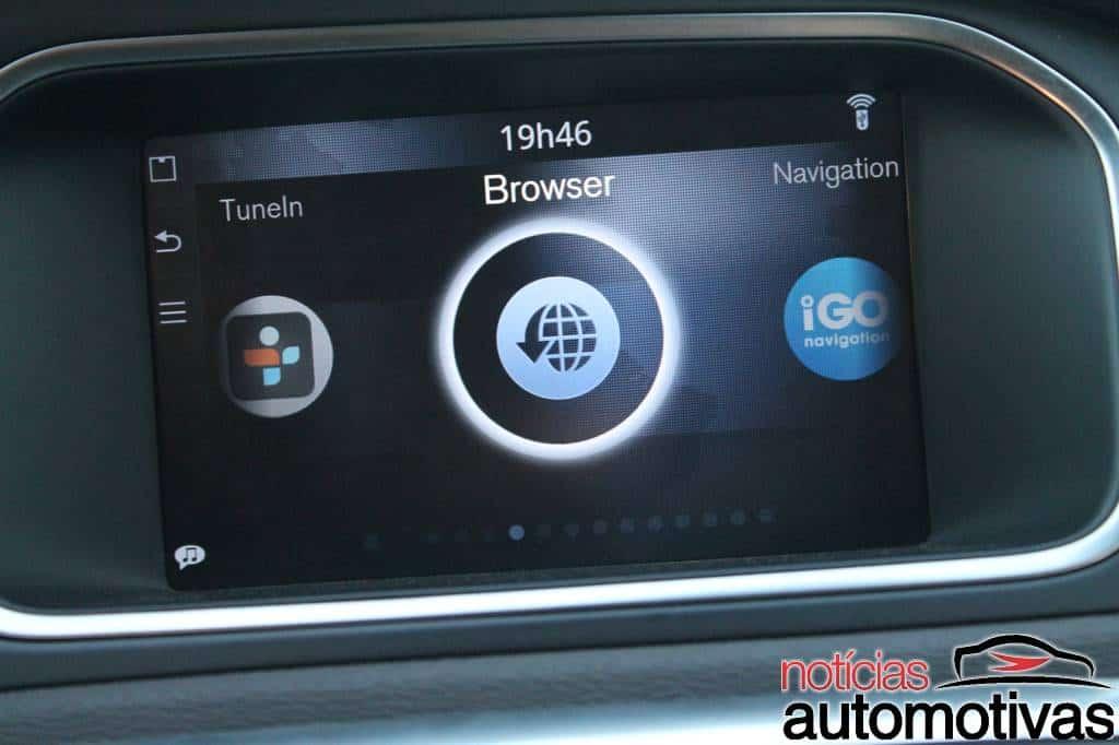 volvo-v40-t4-NA-51 Volvo V40 tem bom desempenho, mas tecnologia embarcada também atrai